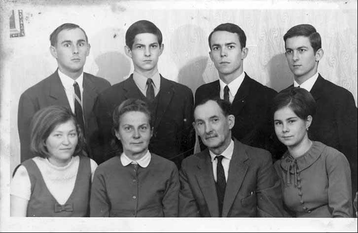A Gyenes család - feltehetően - 1968-ban.
