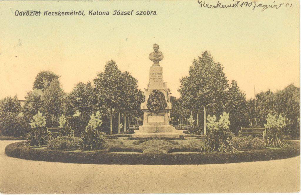 Kecskemét, Katona József szobra