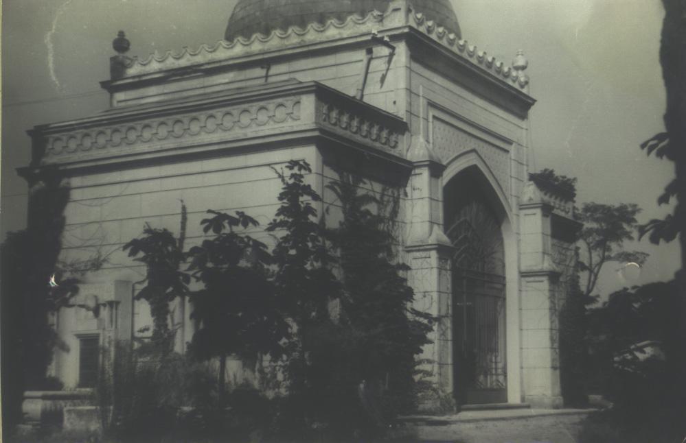 Az emlékcsarnok épülete (Kecskemét, Budai kapu)